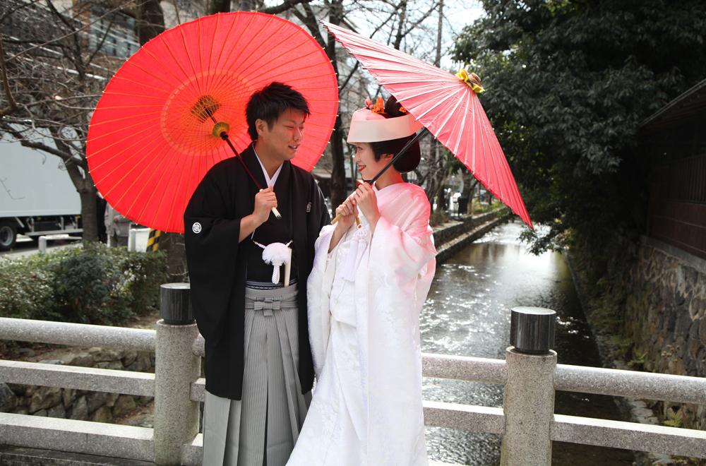 家族や友人との繋がりを大切にした上品で厳かな和婚